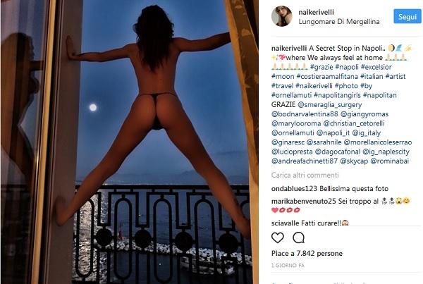 Naike Rivelli topless