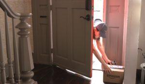 Amazon Key, le consegne ora si fanno anche quando in casa non c'è nessuno