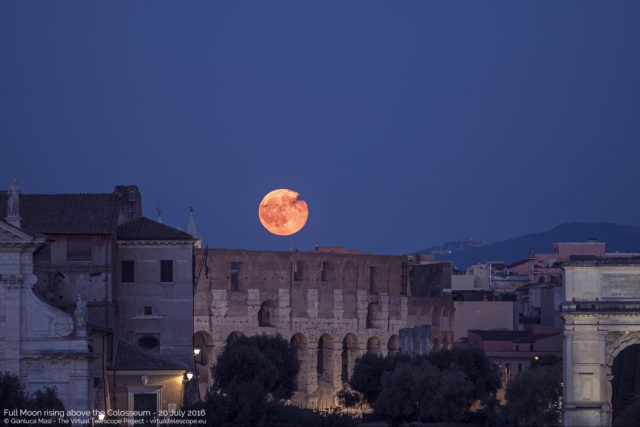 20July2016_fullMoon_Colosseum-640x427