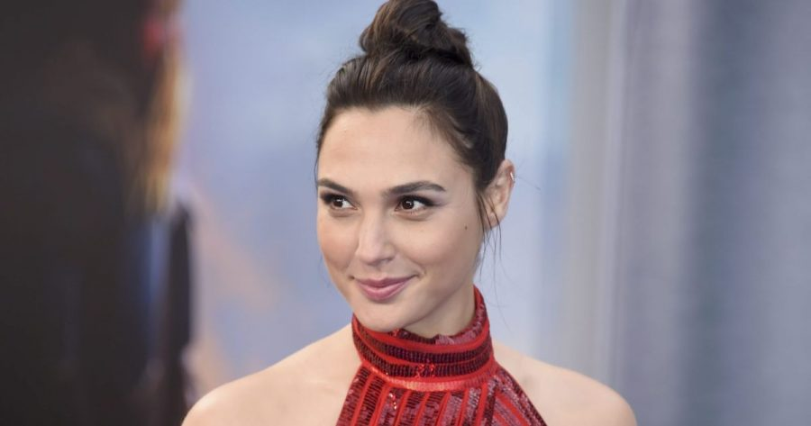 Gal Gadot rimane Wonder Woman