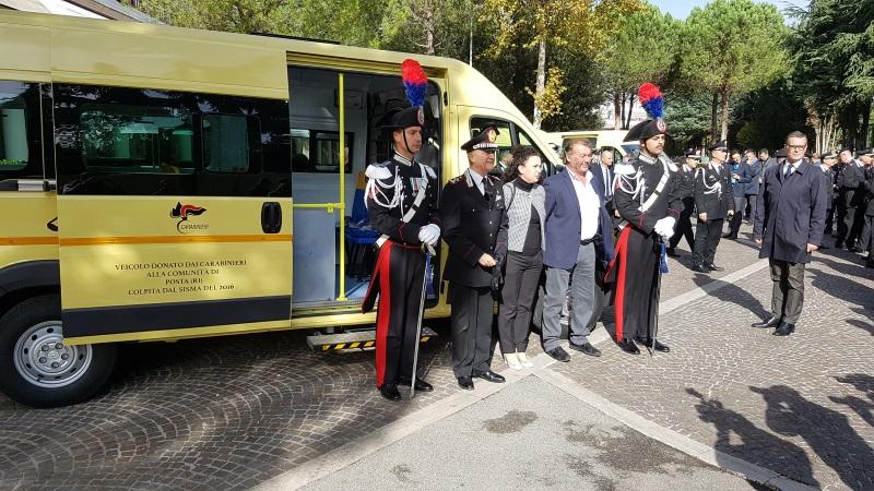 Civitella del Tronto, ecco lo scuolabus donato dai carabinieri FOTO