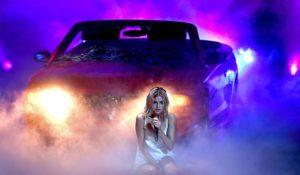 Selena Gomez agli Ama 2017, pioggia di critiche per il presunto playback