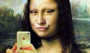 I selfie rendono il naso più grande rispetto alla realtà