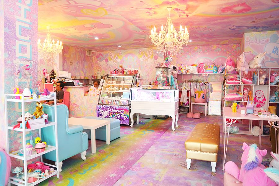 unicorn café bangkok (1)
