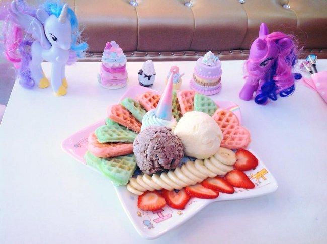 unicorn café bangkok (13)