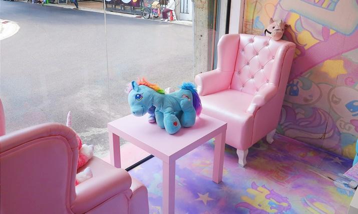 unicorn café bangkok (4)