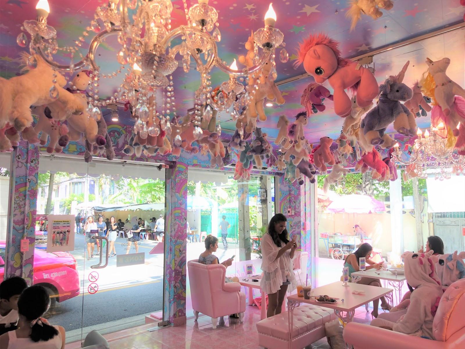 unicorn café bangkok (6)