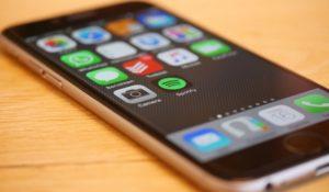 Obsolescenza programmata degli iPhone, aperta inchiesta in Francia