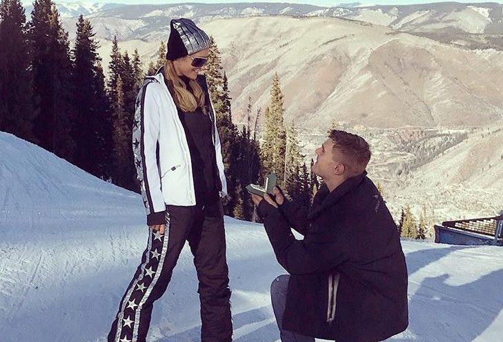 Paris Hilton si sposa