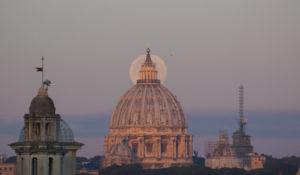 Come osservare in diretta l'eclissi di SuperLuna Blu