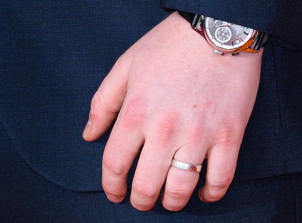 ed sheeran anello