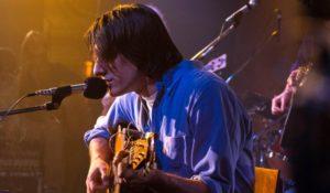 Fabrizio De André – Principe Libero, l'icona della musica italiana rivive su Rai 1