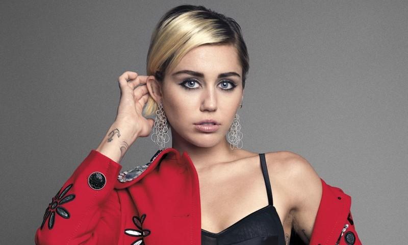 Miley Cyrus nei guai, la cantante accusata di plagio per We can't stop