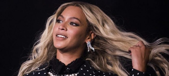 Beyoncé dimentica di salutare Jay-Z