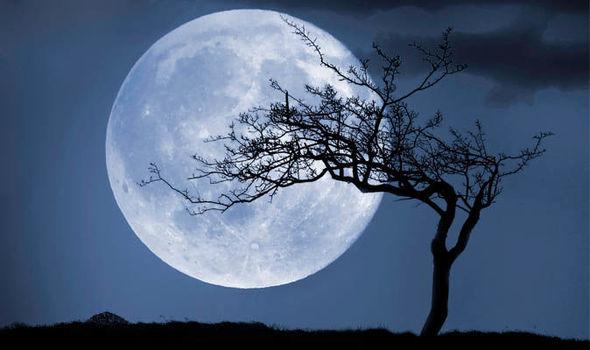 Calendario Lunare Gravidanza 2020.La Luna Blu Del 31 Marzo Sara L Ultima Fino Al 2020