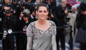Cannes 2018, Kristen Stewart sul red carpet senza scarpe