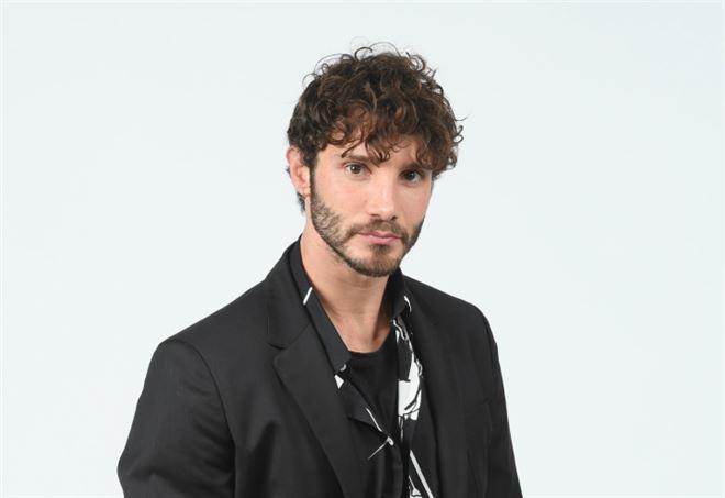 Stefano De Martino coinvolto in un incidente