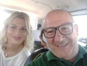 Emma Marrone canta in taxi