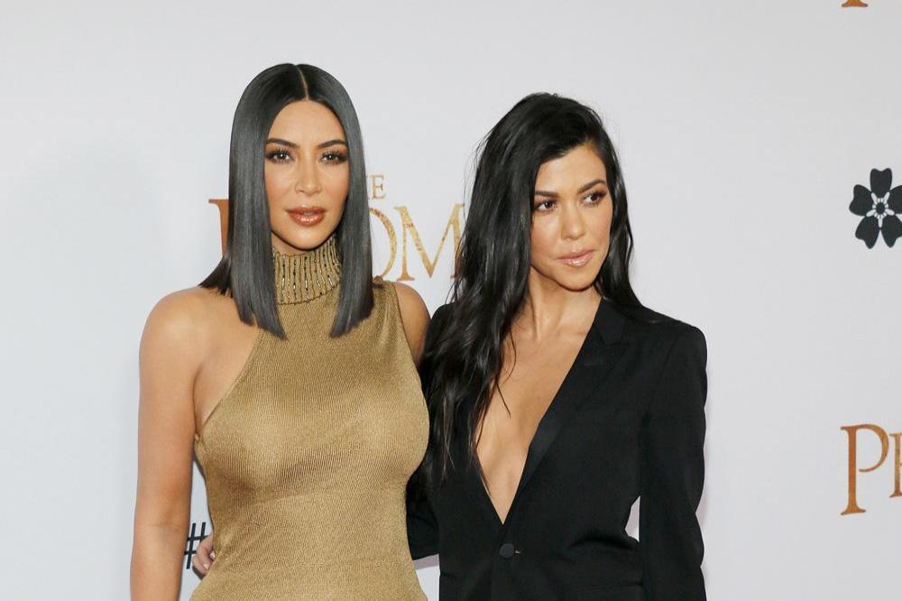 Kim e Kourtney Kardashian lite