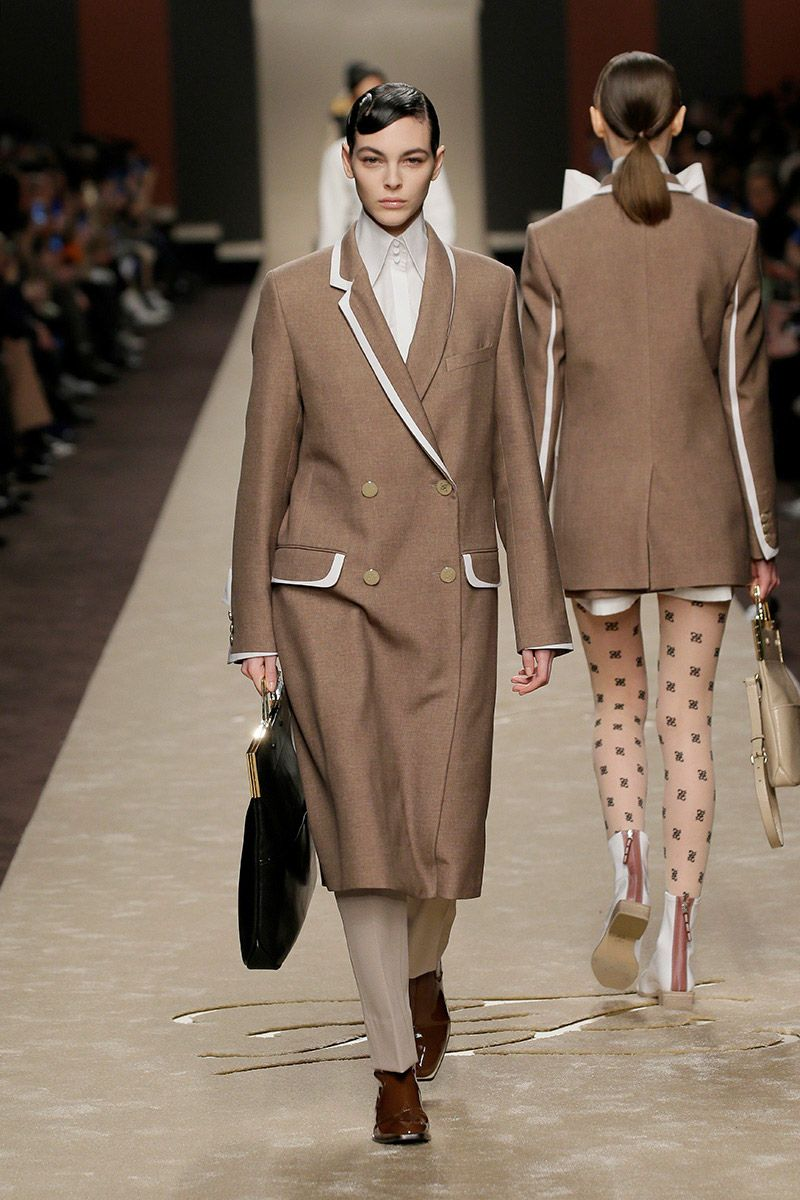 fendi-woman-fallwinter-19-20-look-02_s1