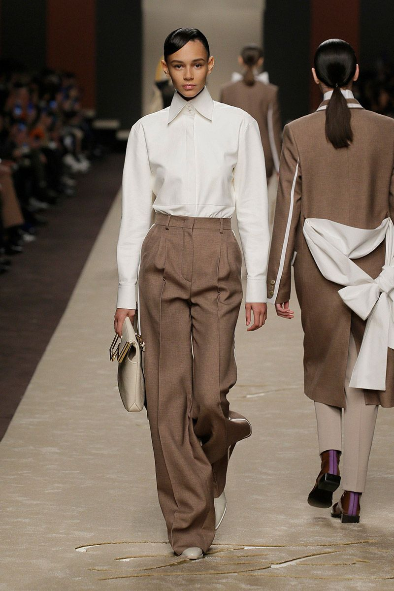 fendi-woman-fallwinter-19-20-look-03_s1