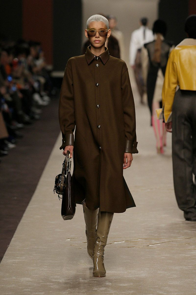 fendi-woman-fallwinter-19-20-look-07_s1