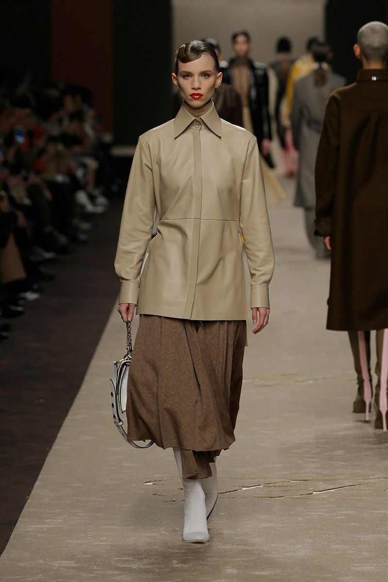fendi-woman-fallwinter-19-20-look-09_s1