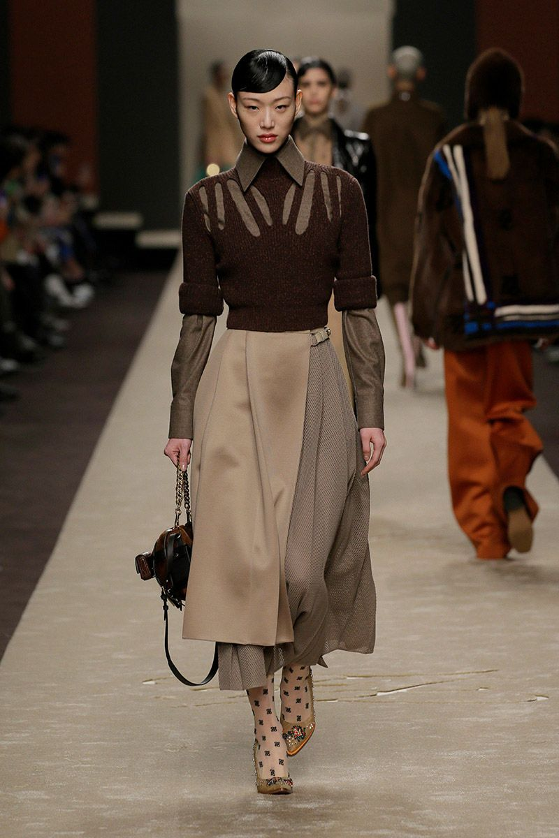 fendi-woman-fallwinter-19-20-look-10_s1