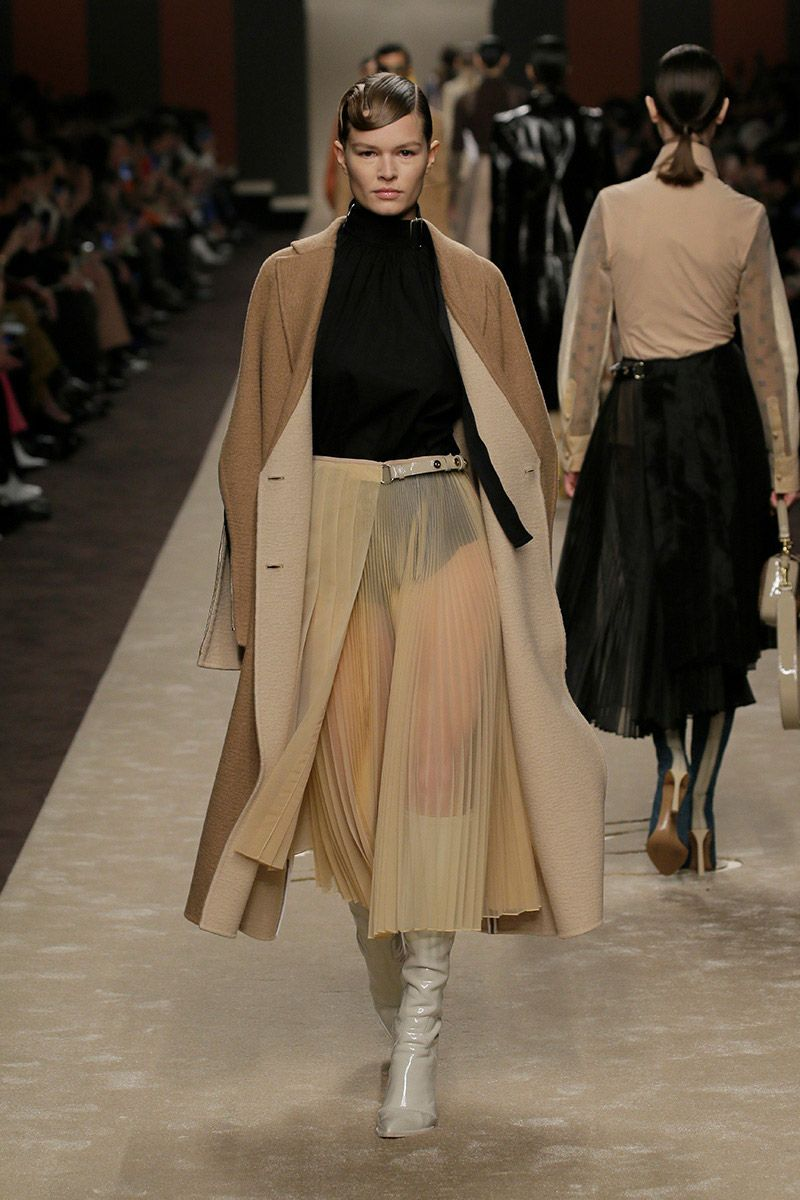 fendi-woman-fallwinter-19-20-look-13_s1