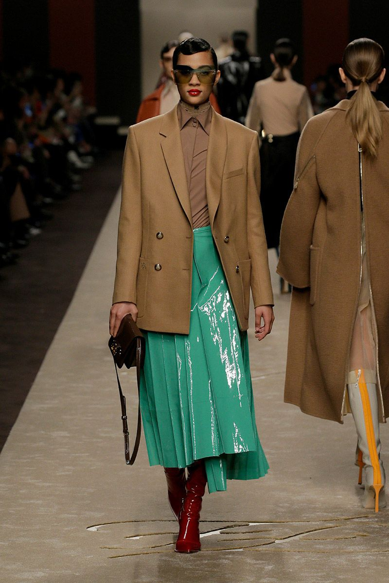 fendi-woman-fallwinter-19-20-look-14_s1