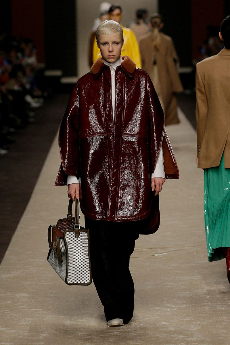 fendi-woman-fallwinter-19-20-look-16_s1