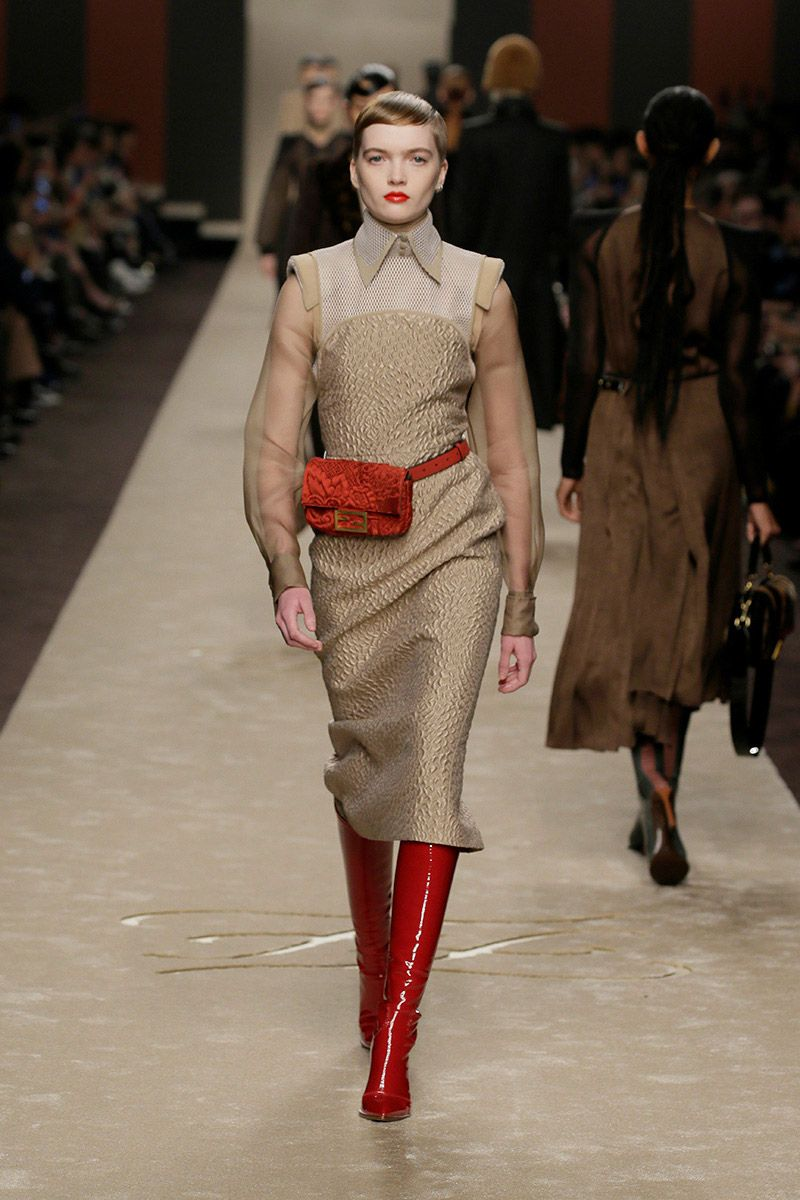 fendi-woman-fallwinter-19-20-look-32_s1