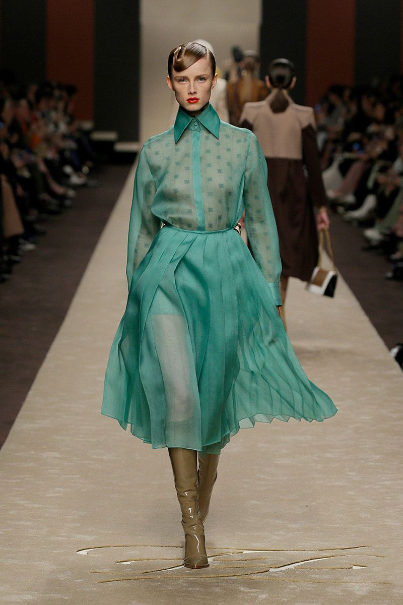 fendi-woman-fallwinter-19-20-look-40_s1