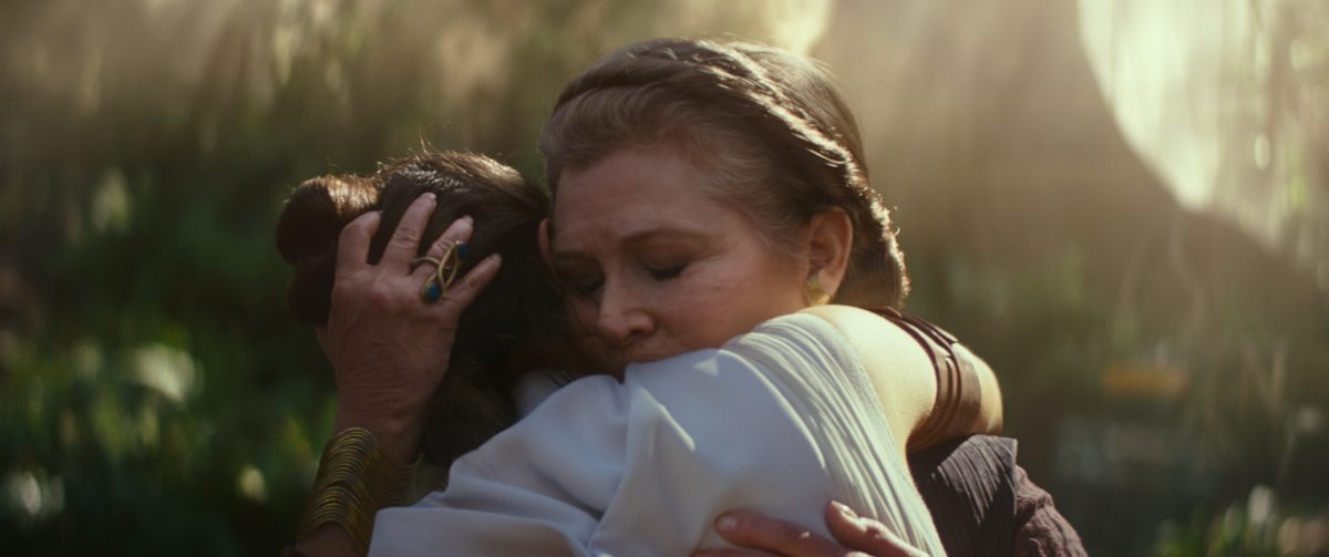 General Leia Organa (Carrie Fisher) and Rey (Daisy Ridley) in STAR WARS:  EPISDOE IX