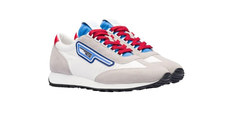 Sneakers in pelle scamosciata e nylon (590 euro)