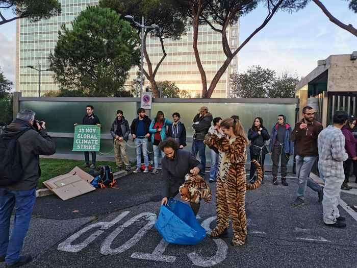 Attivisti Fridays for Future eni (10)
