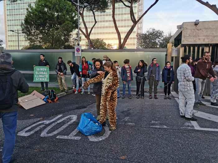 Attivisti Fridays for Future eni (16)