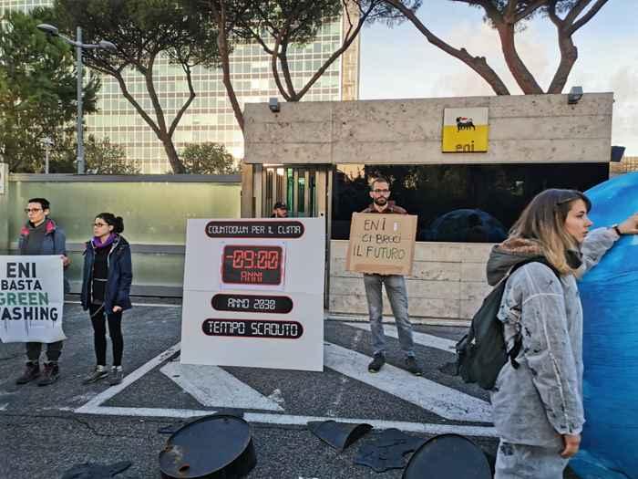 Attivisti Fridays for Future eni (26)