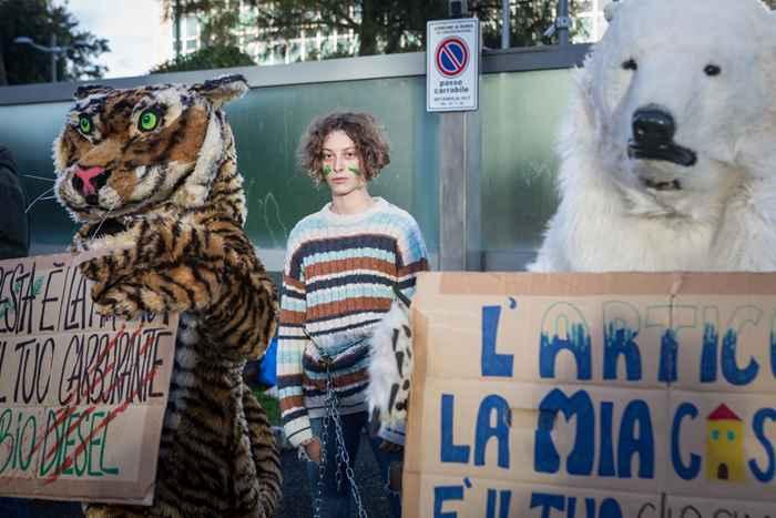 Attivisti Fridays for Future eni (4)