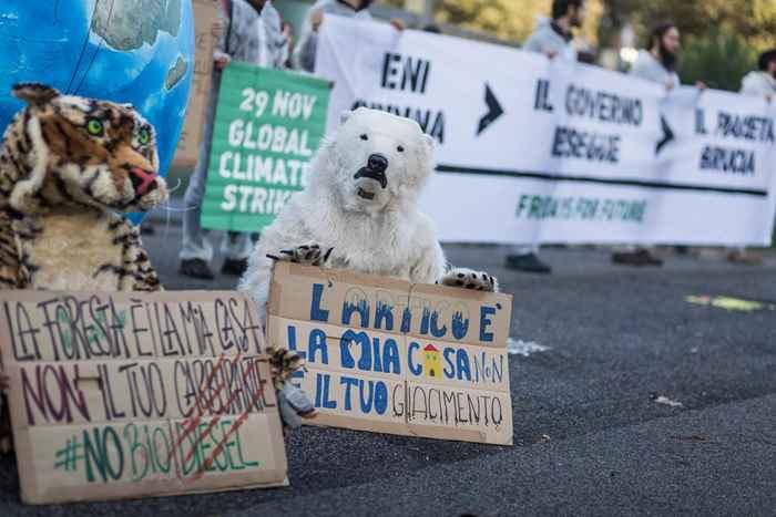 Attivisti Fridays for Future eni (5)