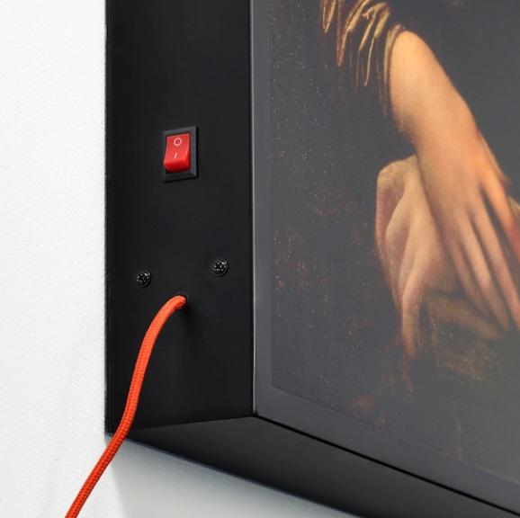 Quadro retroilluminato, USB (75 euro). N.B. Il caricabatteria USB KOPPLA è venduto a parte.