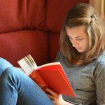 ragazza_lettura_libri