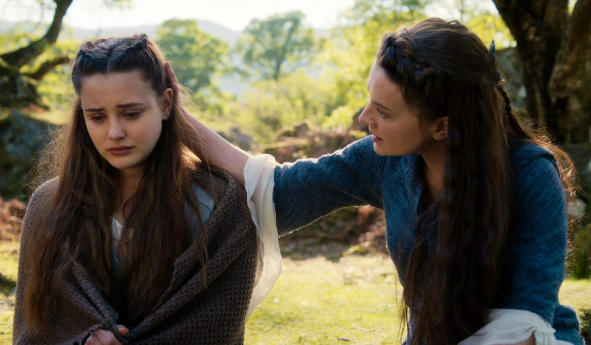 CURSED (L to R) KATHERINE LANGFORD as NIMUE and CATHERINE WALKER as LENORE in episode 102 of CURSED Cr. COURTESY OF NETFLIX © 2020