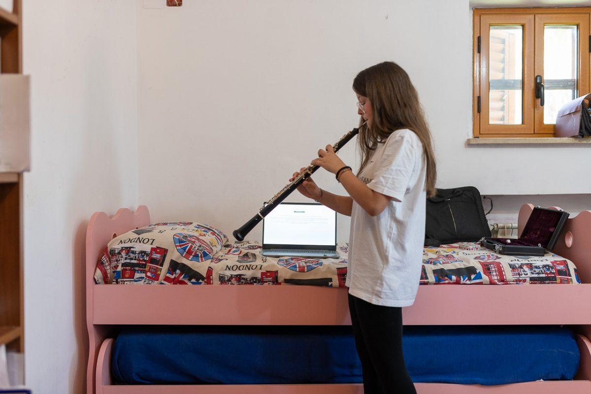 Ilaria per la prova di musica ha suonato l'oboe,che studia anche al conservatorio.E' stato un momento molto emozionante.
