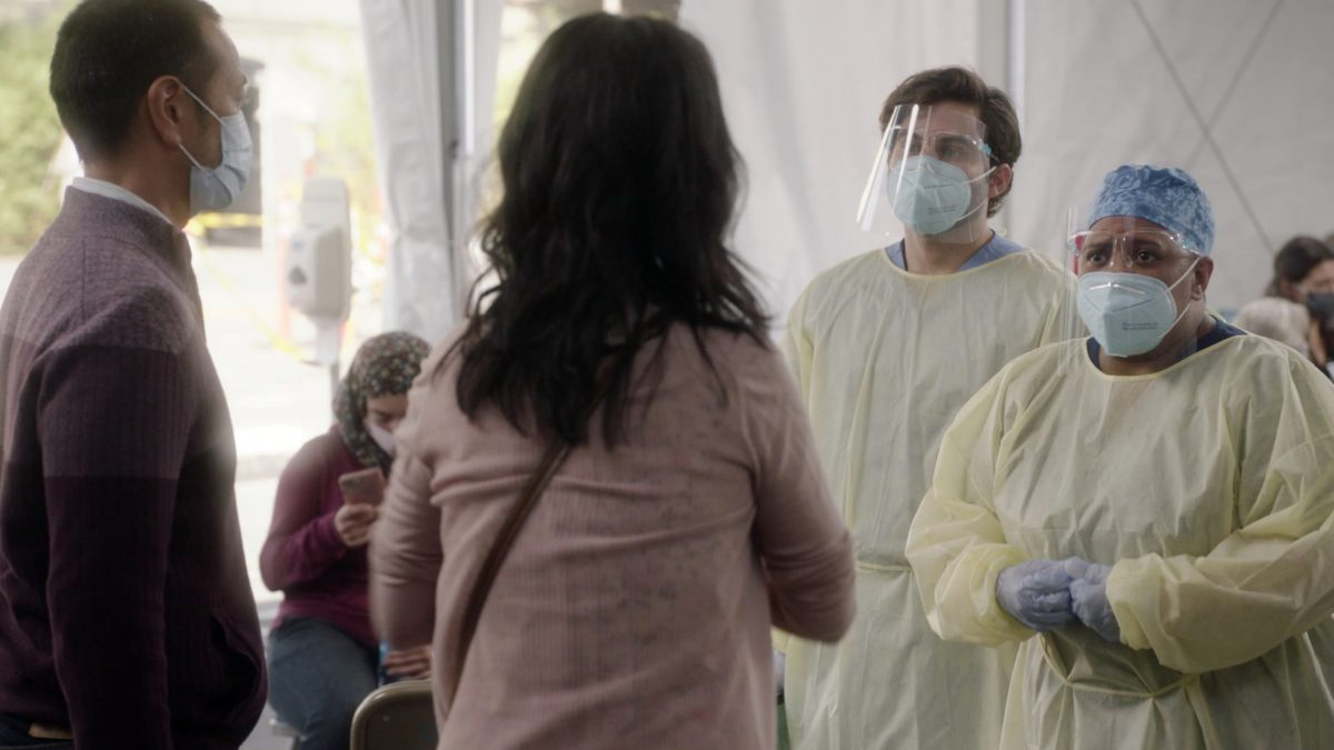 GREY'S ANATOMY - ÒAll TomorrowÕs PartiesÓ Ð In the midst of the early days of the COVID-19 pandemic, Grey Sloan Memorial and its surgeonsÕ lives have been turned upside down. The season 17 premiere picks up one month into the pandemic, and itÕs all-hands-on-deck as Meredith, Bailey and the rest of the Grey Sloan doctors find themselves on the frontlines of a new era. Meanwhile, an unintentionally started fire has first responders from Station 19 bringing patients into the hospital for treatment on the ÒGreyÕs AnatomyÓ season premiere, THURSDAY, NOV. 12 (9:00-10:01 p.m. EST), on ABC. (ABC) JAKE BORELLI, CHANDRA WILSON
