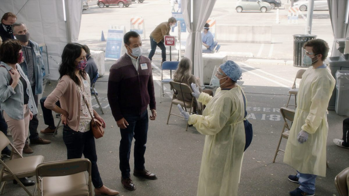 GREY'S ANATOMY - ÒAll TomorrowÕs PartiesÓ Ð In the midst of the early days of the COVID-19 pandemic, Grey Sloan Memorial and its surgeonsÕ lives have been turned upside down. The season 17 premiere picks up one month into the pandemic, and itÕs all-hands-on-deck as Meredith, Bailey and the rest of the Grey Sloan doctors find themselves on the frontlines of a new era. Meanwhile, an unintentionally started fire has first responders from Station 19 bringing patients into the hospital for treatment on the ÒGreyÕs AnatomyÓ season premiere, THURSDAY, NOV. 12 (9:00-10:01 p.m. EST), on ABC. (ABC) CHANDRA WILSON, JAKE BORELLI