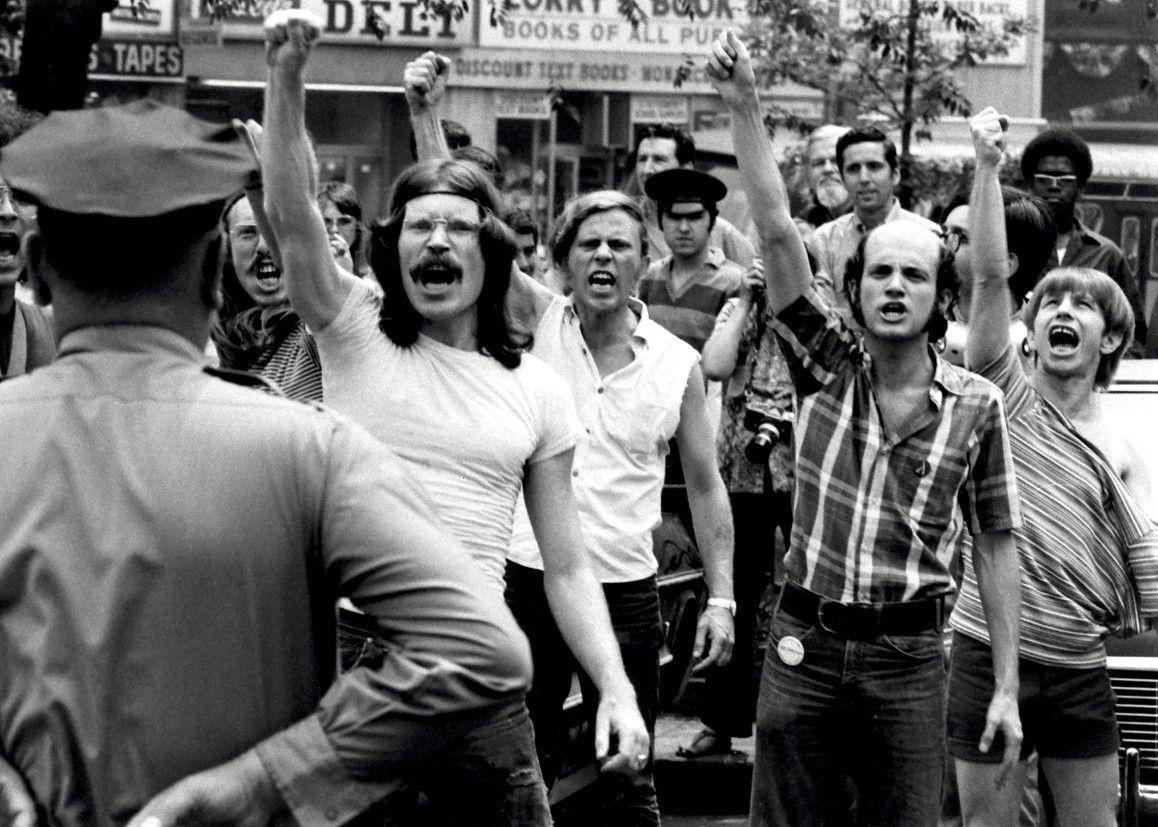 moti di Stonewall Pride Month