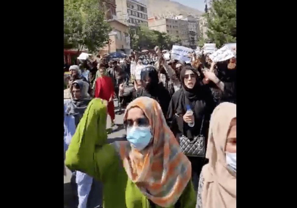 donne talebane in protesta