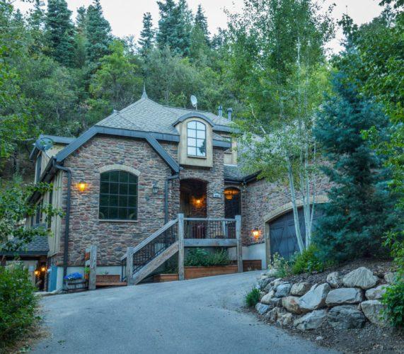 3. The Sundance Mountain Resort 5