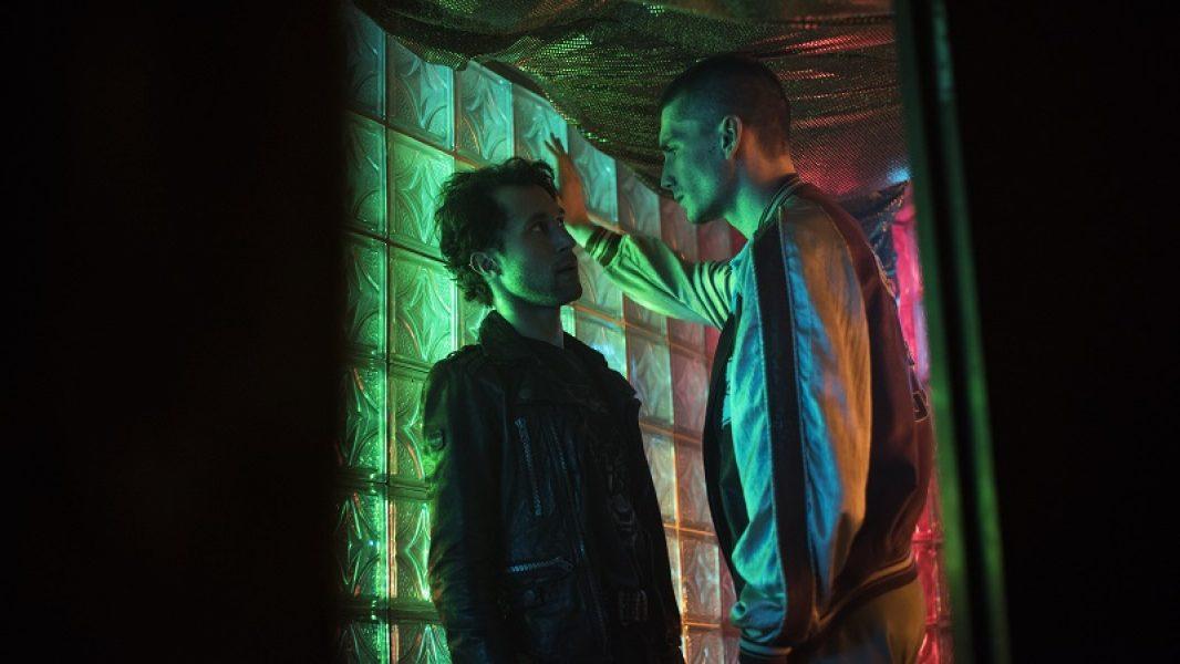 Day19_Sc2017:  West Berlin, Club Paradise Nightclub; Tim (CHRIS VERES) explains himself to Alex (LUDWIG TREPTE), kisses him.